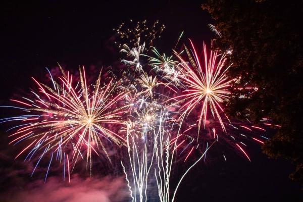 Ce 13 juillet 2021, animations et feu d'artifice réussis à Champforgeuil.