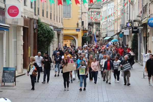 Manifestations anti-pass sanitaire : 200 personnes pour ce 13ème samedi de mobilisation