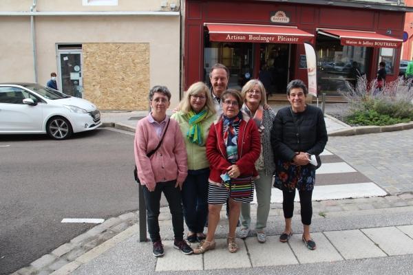Carton plein pour l'opération «Corniottes et vin doux» du Comite de bienfaisance du Quartier De La Citadelle
