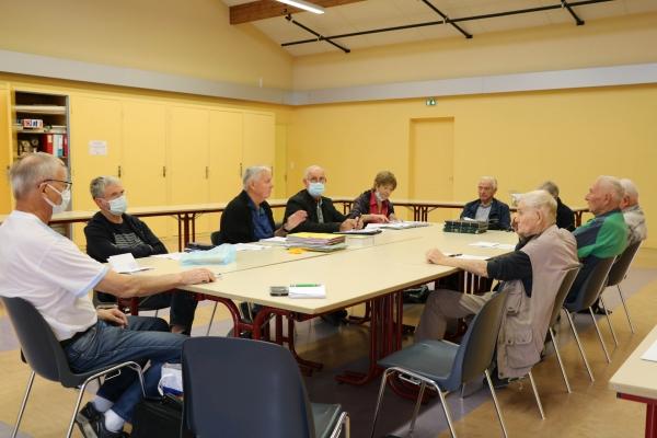 Le mardi 5 Octobre le cercle philatélique de Châtenoy le Royal a tenu son assemblée générale salle Berlioz.